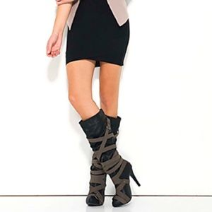SZ 9 Just Fab Sheena Buckle Knee Boots